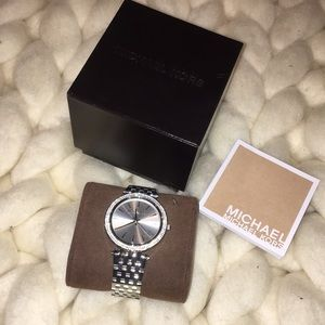 🌸NWOT- Micheal Kors Silver Darci Watch 🌸